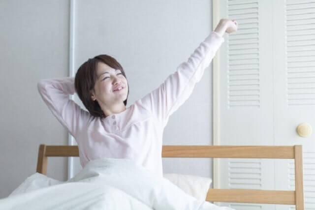 休みの日はずっと寝ていたい。長時間睡眠で起こる体の不調とは?