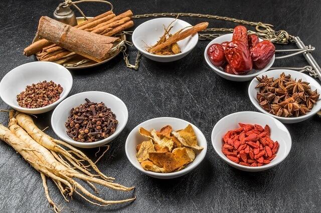 薬膳カレーの簡単レシピ┃スパイスの薬効で万能薬に!
