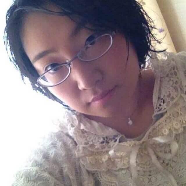 レジンアクセサリー講座卒業荒川綾乃さん