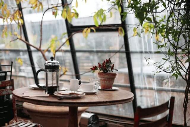 カフェを経営するには何が必要?