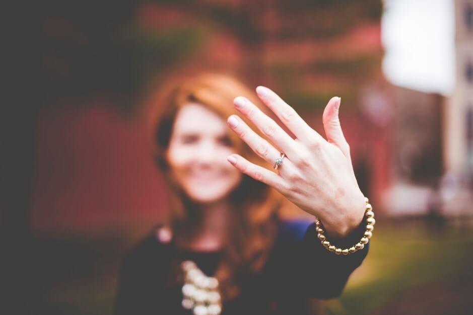 線だけじゃない!手相における指の形や長さの意味