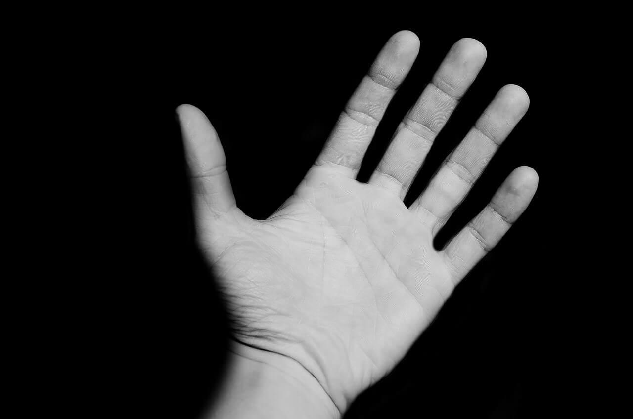 これだけは知っておきたい!手相についての基本的な知識や見方