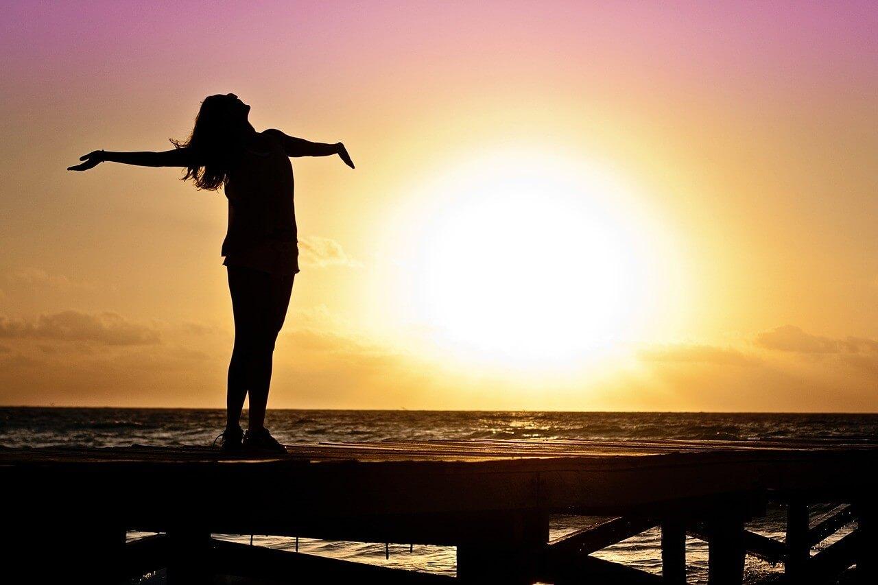 幸運がやって来るかも!ルノルマンカードの「太陽」が表す意味とは