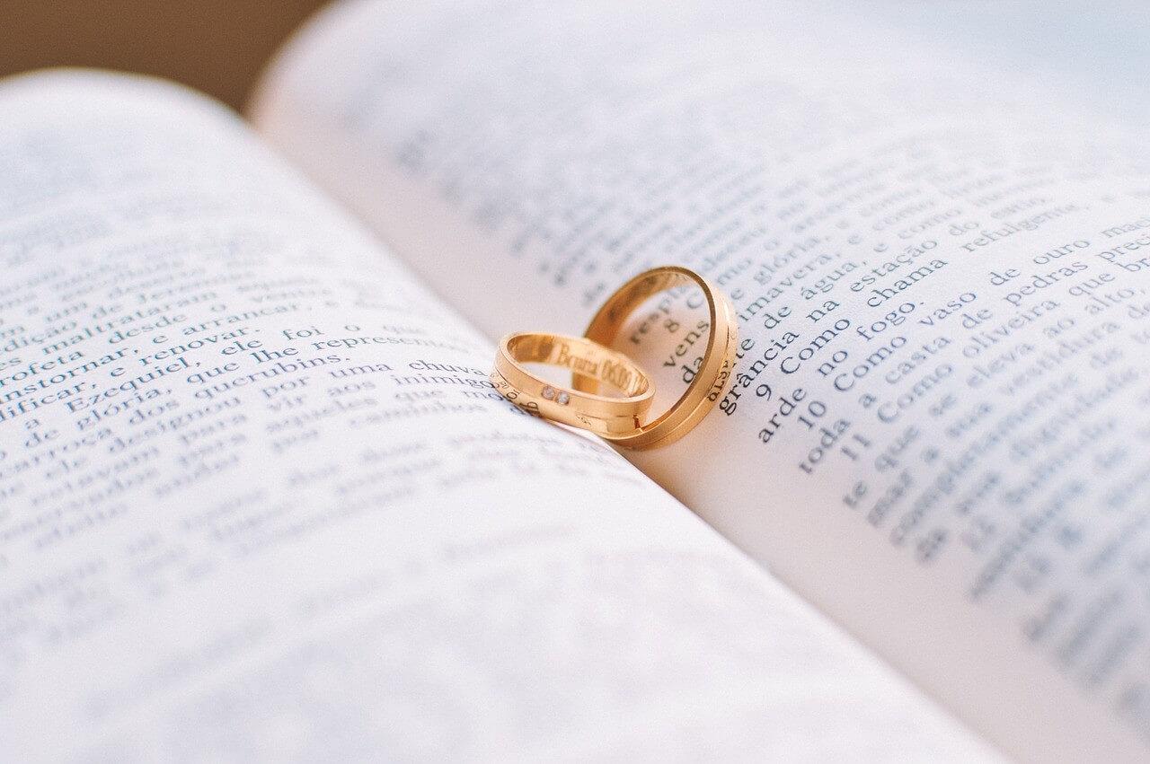 結婚が近い?ルノルマンカードの「指輪」が表す意味とは