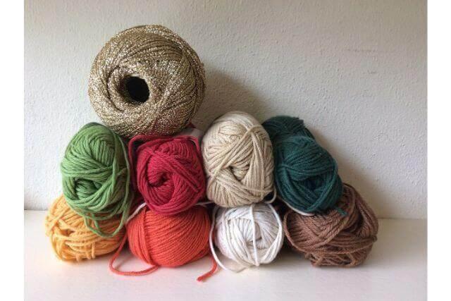 知っていると便利!編み物に使う毛糸の種類と選び方