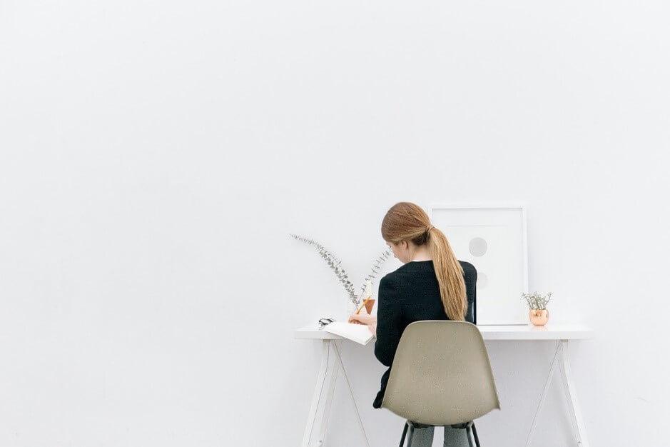 仕事は忙しい?稼げる?空間デザイナーの仕事内容と年収について